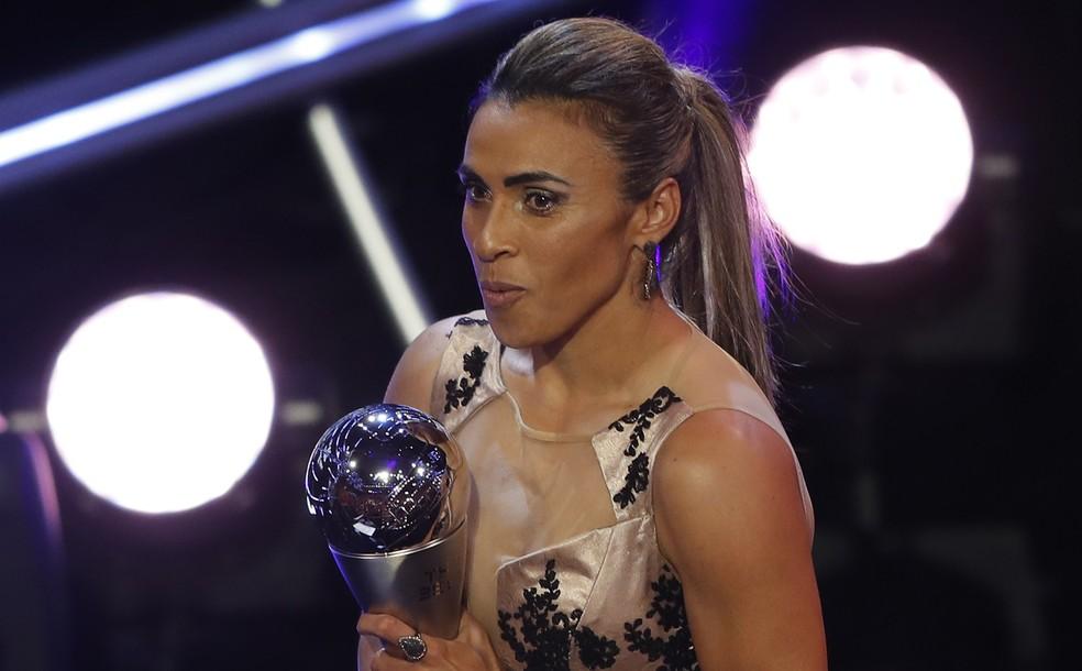 Marta é a melhor jogadora do mundo