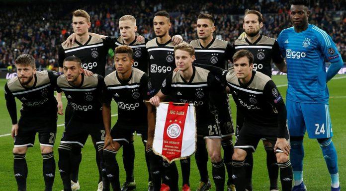 Ajax fazendo bonito