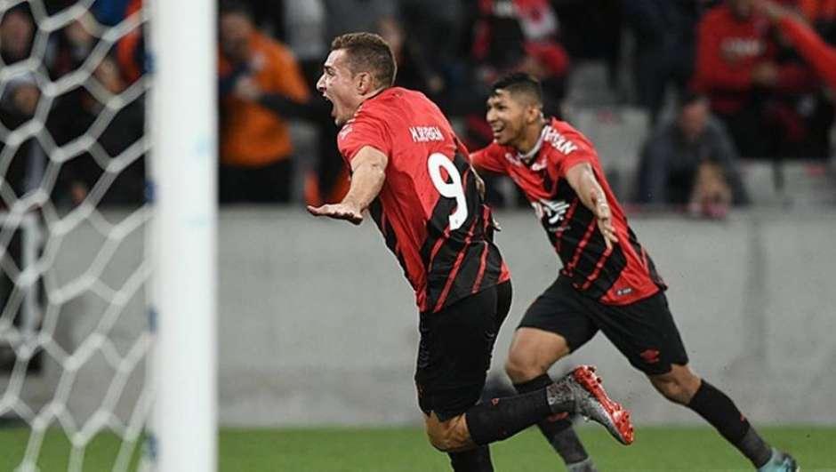 Athletico Paranaense elimina o Fortaleza