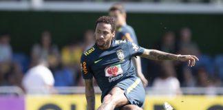 Neymar no treino da seleção