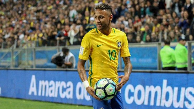 É oficial: em meio a surpresas, Neymar volta à seleção
