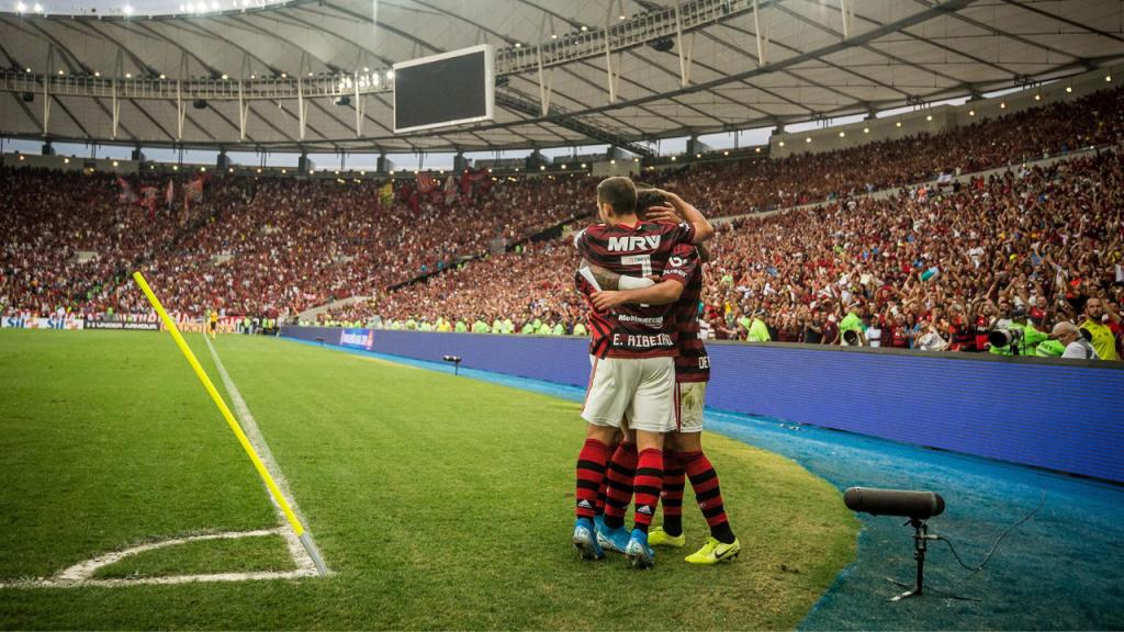 Flamengo atropela Palmeiras