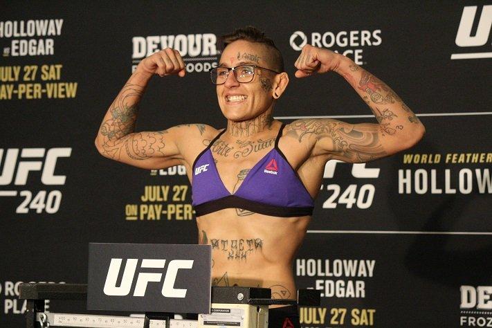 Sarah Frota perde contrato com UFC após acusação de doping