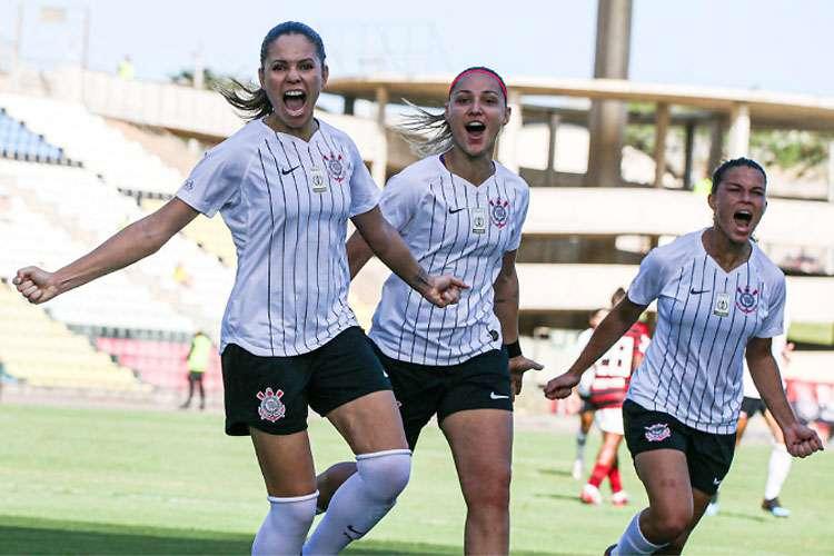 Conheça o futebol feminino do Corinthians