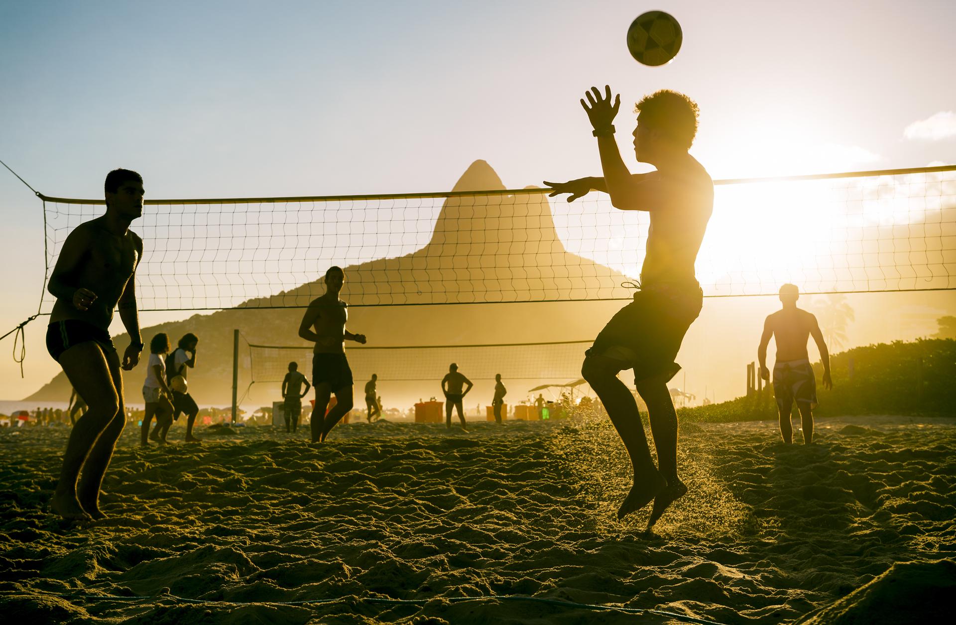 Conheça alguns esportes para praticar no verão