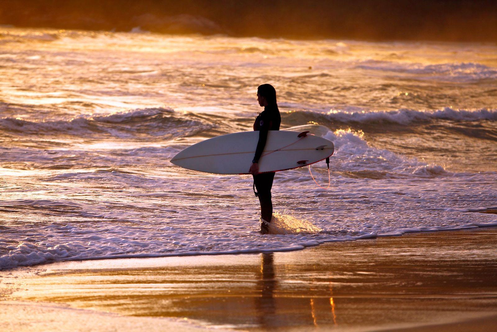 Diante da pandemia, federação de surf quer voltar ao mar
