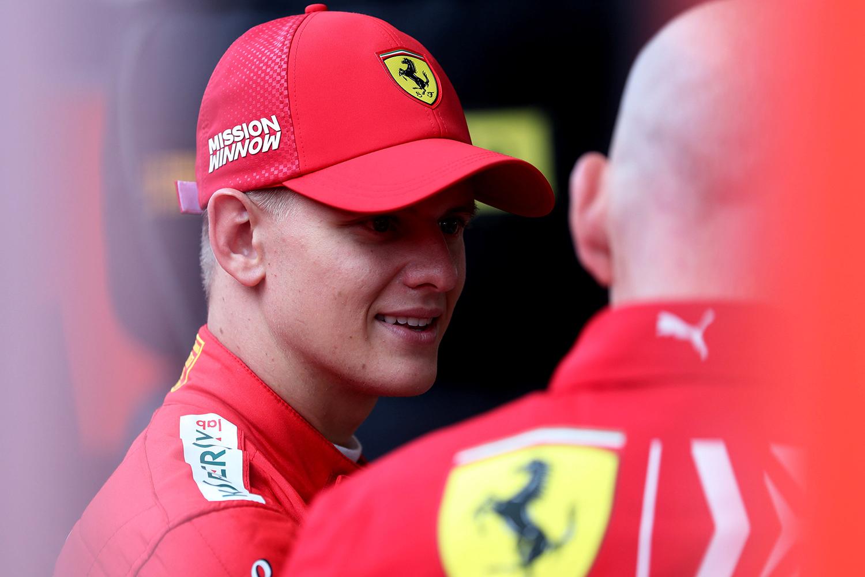 Fórmula 1: Mick Schumacher assina contrato com a Haas