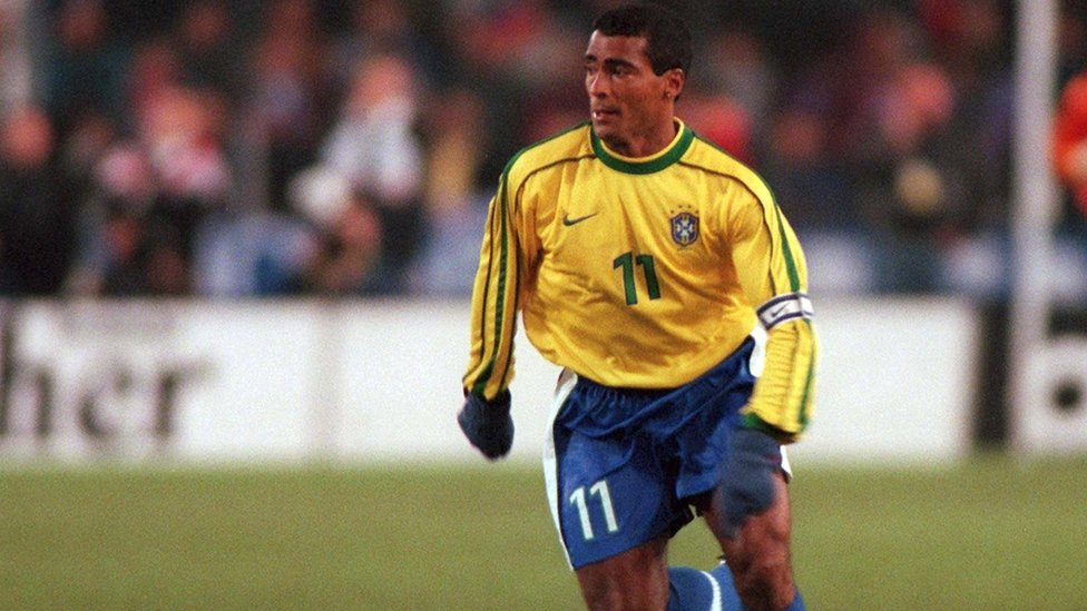 Cristiano Ronaldo fez história no futebol durante a final da Super Copa da Itália