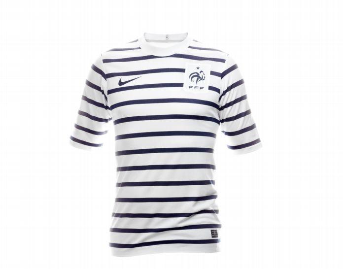 Veja os 10 uniformes de futebol mais bonitos do mundo
