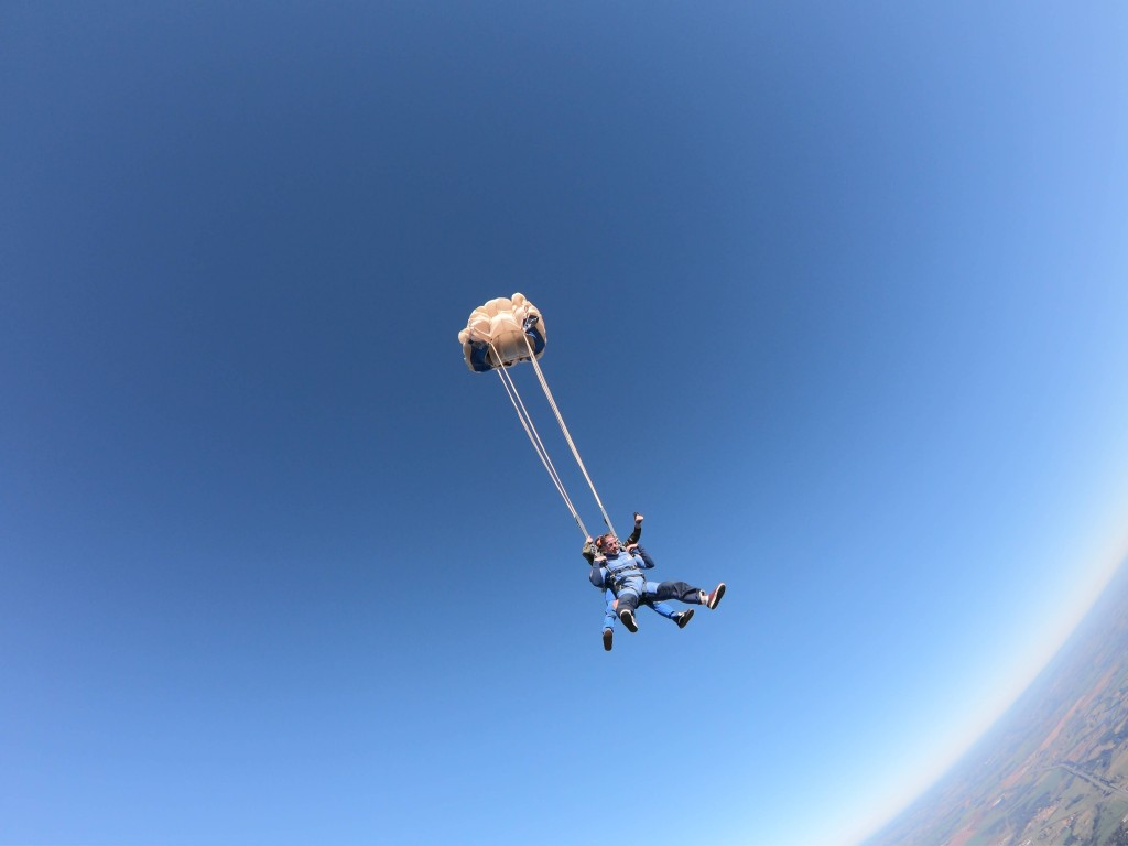 Confira essas dicas antes de saltar de paraquedas