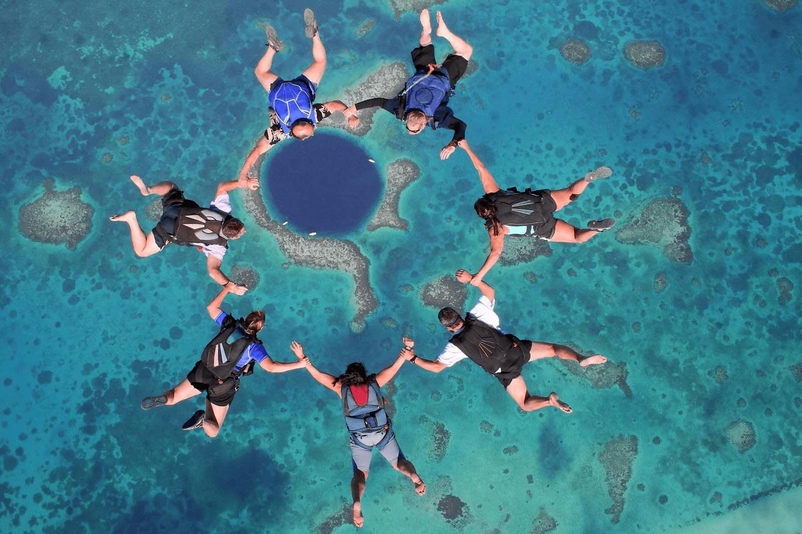 Conheça os 13 melhores lugares para saltar de paraquedas