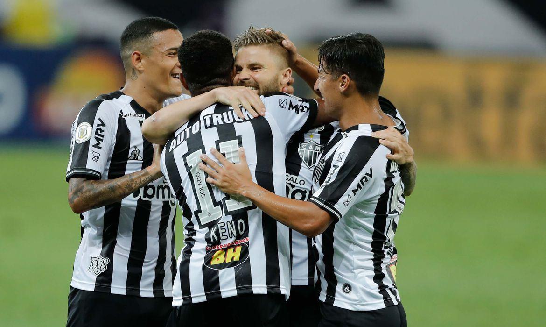 Fluminense e Atlético-MG jogam por vaga na Libertadores