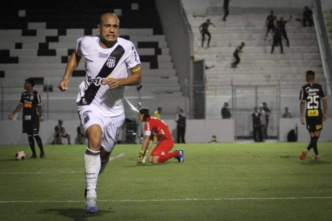 """O youtuber do canal """"Canal do Fante"""" conta como assistir campeonato paulista online"""
