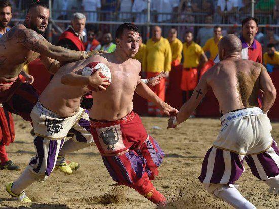 Calcio Storico – conheça essa mistura de futebol e artes marciais