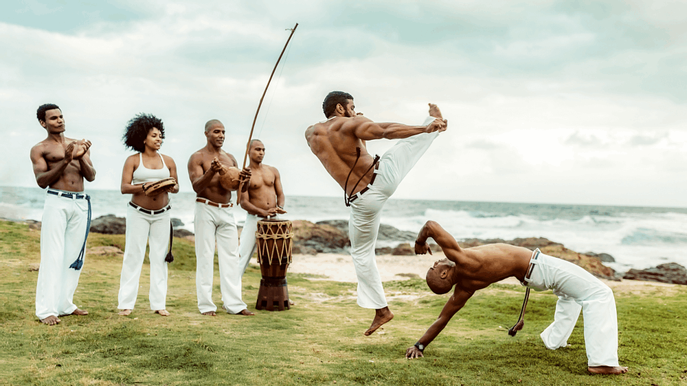 Os movimentos básicos da capoeira