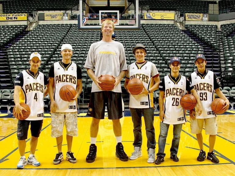 Qual foram os jogadores de basquete mais altos da história da NBA?