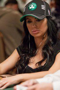 Descubra quem foi Liliya Novikova, chamada de musa do pôquer